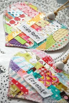 Patchwork stitched paper fabric hearts by manu (photo only) Scrap Fabric Projects, Sewing Projects, Sewing Crafts, Diy Crafts, Fabric Cards, Arts And Crafts, Paper Crafts, Heart Ornament, Shabby Chic