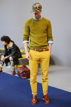 See all the Collection photos from Ami Spring/Summer 2014 Menswear now on British Vogue Stylish Mens Fashion, Best Mens Fashion, Dockers, Fashion Show, Fashion Design, Men's Fashion, Fashion Styles, Paris Fashion, Fashion Trends
