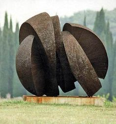 'Metal Sculpture   (1972) by Croatian scuptor Dušan Džamonja (1928-2009).