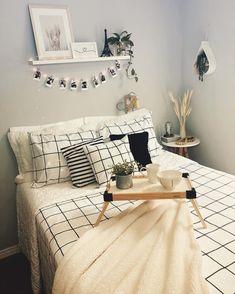 Cute Bedroom Ideas, Cute Room Decor, Room Ideas Bedroom, Home Decor Bedroom, Small Room Design Bedroom, Bedroom Frames, Teen Bedroom, Dream Rooms, Dream Bedroom
