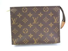 #LouisVuitton Poche toilette 19 Pouch Monogram M47544 (BF067641). Authenticity guaranteed, free shipping worldwide & 14 days return policy. Shop more #preloved brand items at #eLADY: http://global.elady.com