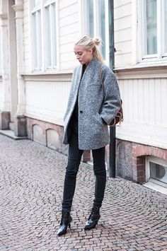 Ellen Claesson » Grey Jacket, denim from Gina Tricot, shoes from Mango and bag from Stella McCartney.