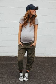 Camos, converse and a cap #maternitystyle #stylishpregnancy #sportybump