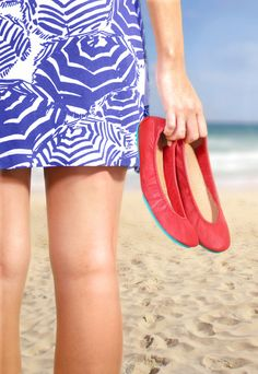 Vacation Giveaway: win a luxury trip to LA, courtesy of Tieks! 3 lucky fans will win a getaway for two to Shutters on the Beach, Santa Monica's 5-star oceanfront resort, fine dining experiences, shopping sprees, a pair of Tieks, and more! Click to enter. Giveaway begins 9/2/2015 and ends 9/18/2015.