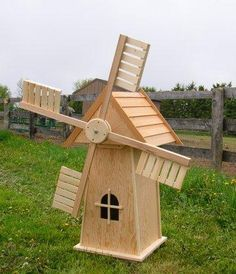 Billedresultat for windmill garden planters Windmill Diy, Wooden Windmill, Diy Pallet Projects, Diy Wood Projects, Wood Crafts, Old Wood Doors, Wooden Garden Planters, Bois Diy, Garden Deco
