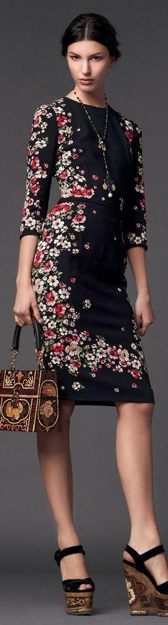 Bordados en flores negro y rojo