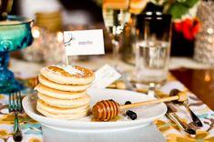 Best Ideas For Brunch Wedding Reception Mini Pancakes Mini Pancakes, Breakfast Pancakes, Mini Tortillas, Mini Sandwiches, Wedding Breakfast, Breakfast For Dinner, Breakfast Ideas, Food Trucks, Bagels