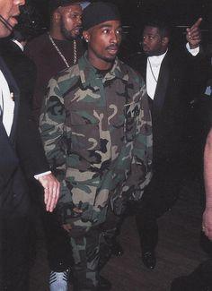 rare pics of tupac  