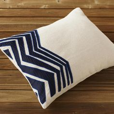 The soft drape of a loosely woven blanket layered over the diamond weave of our khadi duvet adds warmth to smooth sateen sheets edged with pebble stitch Feather Pillows, Blue Pillows, Linen Pillows, Down Pillows, Accent Pillows, Floor Pillows, Decorative Throw Pillows, Cushions, Decorative Accents