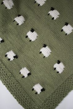 Project Files: Fabric Backed Knit Sheep Baby Blanket - The Sweeter Side of Mommyhood babydecken mit schafe Cable Knit Blankets, Knitted Baby Blankets, Baby Boy Blankets, Baby Blanket Crochet, Crochet Baby, Baby Knitting Patterns, Embroidery Patterns, Free Baby Blanket Patterns, Creations