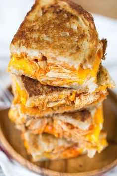 Buffalo Chicken Grilled Cheese Sandwiches are sure to satisfy any buffalo chicken craving! Buffalo Chicken Grilled Cheese Sandwiches I'. I Love Food, Good Food, Yummy Food, Tasty, Awesome Food, Buffalo Chicken Grilled Cheese, Buffalo Chicken Wraps, Chicken Pizza, Chicken Salad