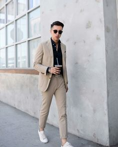 Elegant & Sharp Street Style Looks To Steal From This Influencer How to dress sharp for men.How to dress sharp for men. Mens Fashion Blog, Mens Fashion Suits, Man Fashion, Fashion Menswear, Fashion Shoes, Fashion Trends, Casual Suit, Men Casual, Business Dress