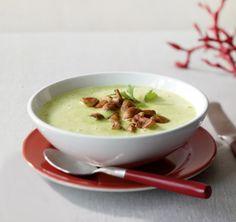 Petersilien-Rahm-Suppe: Die feine Suppe mit Petersilie und gebratenen Champignons wärmt eure Gäste lecker auf.