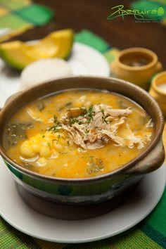 Buen provecho #Zipaquira ¿te antoja un ajiaco? #Colombia #Zipaquiráturística #larespuestaesCOlombia Thai Red Curry, Ethnic Recipes, Travel, Food, Gastronomia, Colombia, Bon Appetit, Soups, June