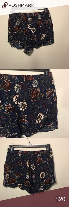 Size Small Floral Print Abercrombie & Fitch Shorts EUC. Size Small Blue And Floral Print Abercrombie & Fitch Flowy Shorts. Abercrombie & Fitch Shorts