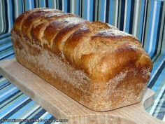 Wheat-rye bread with buttermilk Loaf Bread Recipe, Bread Recipes, Cooking Recipes, Amish White Bread, My Favorite Food, Favorite Recipes, Polish Recipes, Bread Rolls, Rye Bread