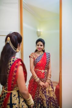 Ezwed has everything a South Indian bride needs to plan her Dream wedding! Wedding ideas,inspiration from Real weddings,Wedding Vendors,Wedding attire,etc. South Indian Wedding Hairstyles, Bridal Hairstyle Indian Wedding, South Indian Bride Hairstyle, Bridal Hairdo, South Indian Weddings, Half Saree Designs, Bridal Blouse Designs, Bridal Hairstyle For Reception, Lehenga Hairstyles