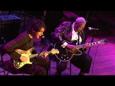 BB King & John Mayer Live - Part 1 (It's like spying on two lovers...unreal!!) Master Please, play me some guitar :))