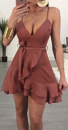 A-Line Mini Cocktail Dress Mulberry Chiffon Homecoming Dress with Ruffles - Damen Mode 2019 Formal Dresses For Women, Sexy Dresses, Cute Dresses, Short Dresses, Simple Dresses, Sexy Summer Dresses, Year 10 Formal Dresses, Dress Summer, Brown Formal Dresses