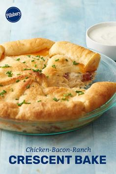 Our favorite flavor trio—chicken, bacon and ranch—does it again in this kid-approved crescent bake. And if you're still not sold, the cheddar-stuffed crescent crust is sure to win you over. Crescent Roll Pizza, Crescent Rolls, Crescent Dough, Bacon Breakfast, Breakfast Casserole, Croissants, Crescent Roll Recipes, Casserole Recipes, Cooking Recipes
