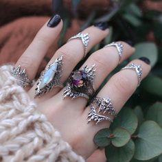 Bohemian Rings, Bohemian Jewelry, Bijoux Piercing Septum, Ear Piercings, Ladies Silver Rings, Witch Rings, Aesthetic Rings, Gothic, Rainbow Moonstone Ring