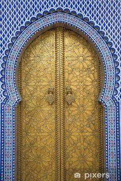 Door of Royal Palace of Fez (Dar el Makhzen), Fez, Morocco Islamic Architecture, Futuristic Architecture, Architecture Details, Minimalist Architecture, Gothic Architecture, Cool Doors, Unique Doors, Entrance Doors, Doorway