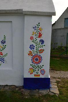 X Folk Art Flowers, Flower Art, Polish Folk Art, Folk Embroidery, Motif Floral, Painted Doors, House Painting, Painting Inspiration, Wall Murals
