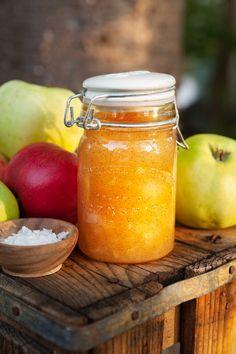 Äppelmarmelad med salt karamell och vanilj Fall Recipes, Vegan Recipes, Vanilj, Healthy Recepies, Homemade Sweets, Breakfast Bake, Food Crafts, Foods To Eat, Cookies And Cream