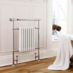 EVERYTHING BATHROOM is providing you the relaxing shower and step out onto a dry bathroom floor with our range of reliable bath shower screens. https://everythingbathroom.co.uk/collections/shower-baths-and-screens  #ShowerBathsScreens