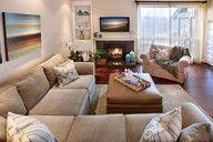 comoda un lugar para reunirse cona la familia y amigos amplio confortables eso me trasmite esta sala