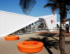 LOOP Light at Impanema Beach at the 2016 Rio Olympics! Used as seating outside the Danish Pavillion, designed by Henning Larsen Architects. Loop Lighting, 2016 Rio, Henning Larsen, Rio Olympics 2016, Urban Design, Danish, Architects, Building, Beach