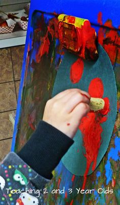 Paint Activities for the Easel - Teaching 2 and 3 year olds