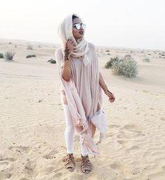 Safari hijab style – Just Trendy Girls Arab Fashion, Dubai Fashion, Fashion Images, Muslim Fashion, Modest Fashion, Israel Fashion, Desert Fashion, Islamic Fashion, Hijab Chic