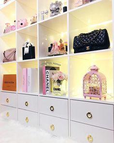 Lighted Vanity Mirror, Makeup Mirror With Lights, Makeup Storage, Makeup Organization, Wrinkle Cream For Men, Elegant Makeup, Room Planner, Makeup Rooms, Make Up Collection