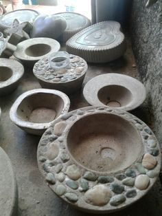Online shopping for Planters - Pots, Planters & Container Accessories from a great selection at Patio, Lawn & Garden Store. Diy Concrete Planters, Concrete Cement, Concrete Furniture, Concrete Crafts, Concrete Garden, Concrete Projects, Diy Planters, Cement Art, Papercrete