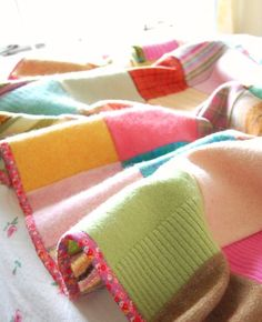 I shall keep my old woollen sweaters now, and make this sometime. I love the idea of recycling
