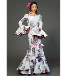 trajes de flamenca 2018 mujer - Aires de Feria - Traje de sevillana Vejer estampado