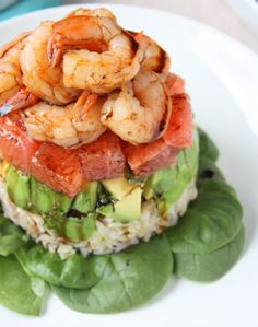 Yummy lunch or dinner meal! Grapefruit, Avocado, and Shrimp Salad with a Balsamic Reduction. You can use brown rice. Shrimp Salad Recipes, Seafood Recipes, Cooking Recipes, Healthy Recipes, Healthy Salads, I Love Food, Good Food, Yummy Food, Tasty