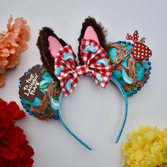 """It was one of those Zip-a-dee-doo-dah days. Here are some ears we have been working on! These Splash Mountain inspired… Disney Diy, Diy Disney Ears, Disney Bows, Disney Crafts, Disney Outfits, Disney Stuff, Disney Ears Headband, Disney Headbands, Ear Headbands"