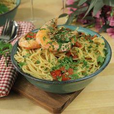 Pasta med vitlöksfrästa räkor och vitt vin Foodies, Recipies, Spaghetti, Pasta, Ethnic Recipes, Recipes, Rezepte, Food Recipes, Noodles