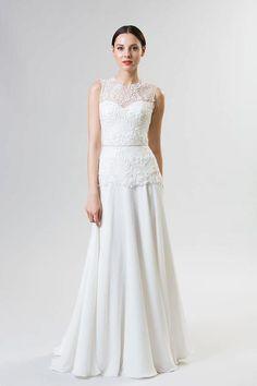 simple and romantic wedding dress.