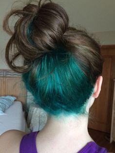 Unter der Haarfarbe Ideen Luxury Best 25 Blue Hair Underneath - The most beautiful hairstyles Under Hair Dye, Under Hair Color, Hidden Hair Color, Cool Hair Color, Hair Color Streaks, Hair Dye Colors, Teal Hair, Green Hair, Blue Hair Underneath