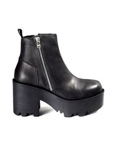 UNIF | RIVAL BOOT  Love these!