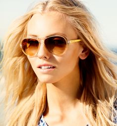 Enjoy the summer with these Michael Kors aviators