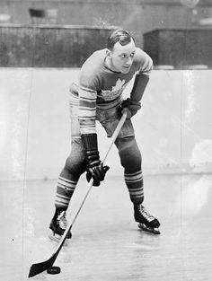 The Toronto Maple Leafs' Charlie Conacher, circa 1920s. Library and Archives Canada
