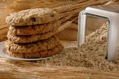 Low calorie oatmeal cookies will make weight loss surgery patients holidays as healthy and happy days. Oat Biscuit Recipe, Sugar Cookie Recipe Easy, Easy Sugar Cookies, Healthy Cookies, Homemade Cookies, Oatmeal Chocolate Chip Cookie Recipe, Oatmeal Cookie Recipes, Oatmeal Chocolate Chip Cookies, Chocolate Recipes