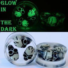 PAIR-3 D SKULLS  Glow In the Dark Acrylic Ear Gauges