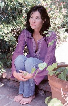 Shannen Doherty Serie Charmed, Charmed Tv Show, Sabrina Actress, Shannen Doherty Charmed, Charmed Sisters, Jennie Garth, Beauty Crush, Holly Marie Combs, Melrose Place