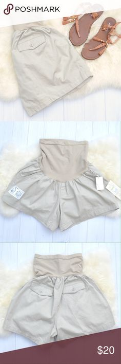 Oh Baby Motherhood Maternity Tan Twill Shorts XL Oh Baby by Motherhood maternity tan twill shorts, size extra large. These shorts are a summer staple! They will go with everything! Two front pockets and two faux back pockets. Full secret fit belly panel for comfort at all stages of pregnancy. Motherhood Maternity Shorts