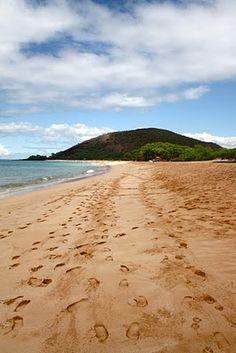 Makena Beach, Maui (aka Big Beach). Can't wait to feel my toes in THAT sand again!